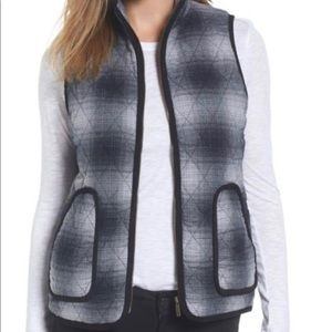 Caslon Plaid Quilted zippered vest